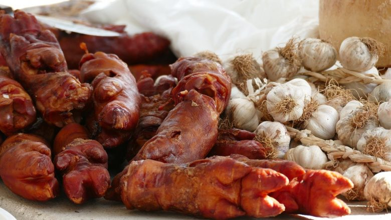 Boiled Pig Trotters Recipe (And Complete Guide)
